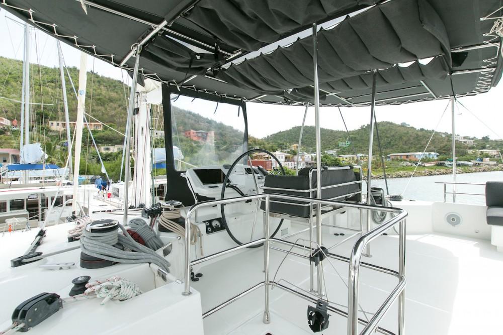 Verhuur Catamaran in Tortola - Lagoon Lagoon 560 S2 - 5 cab.
