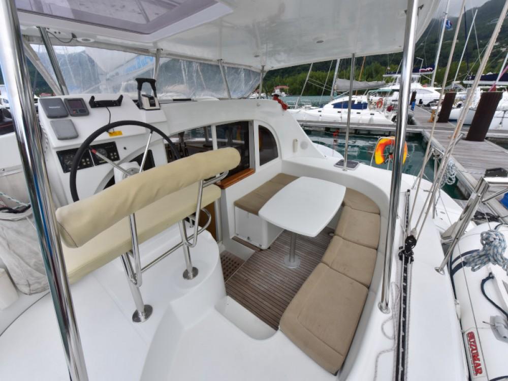 Verhuur Catamaran in Victoria - Lagoon Lagoon 380