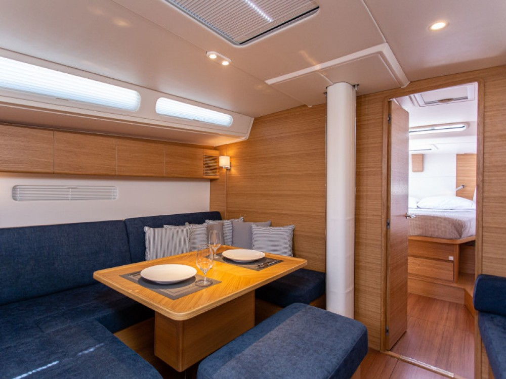 X-Yachts X4-6 model 2019 te huur van particulier of professional in Olympic Marina