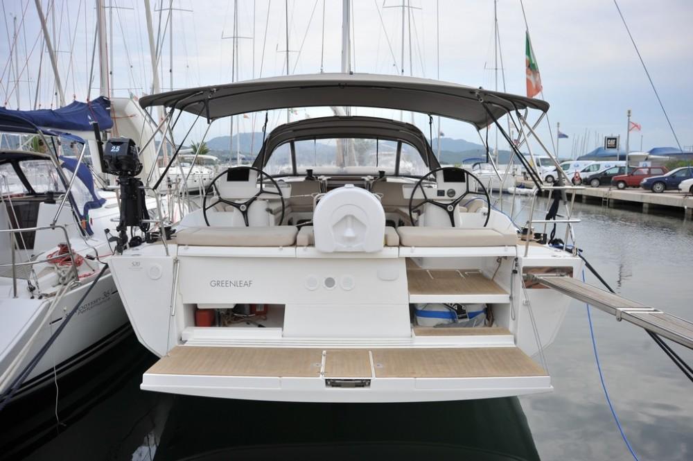 Bootverhuur Marina di Portisco goedkoop Dufour 520 GL