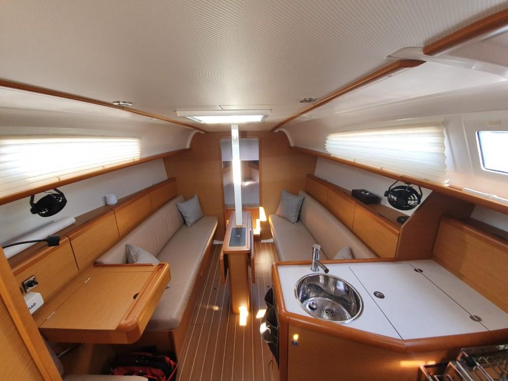Jachthuur in  - Jeanneau Sun Odyssey 33i via SamBoat