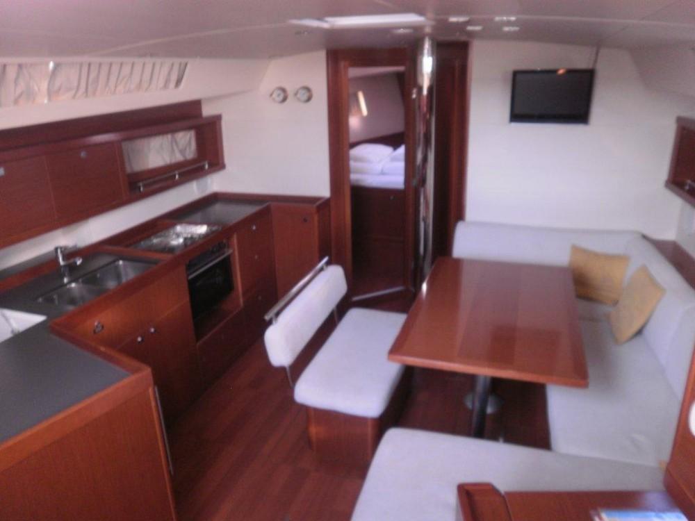 Bénéteau Oceanis 45 te huur van particulier of professional in Komolac