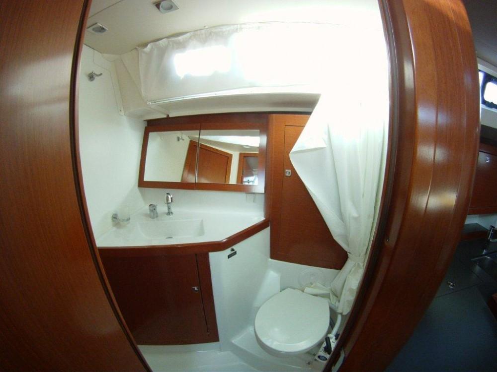 Jachthuur in  - Bénéteau Oceanis 45 via SamBoat