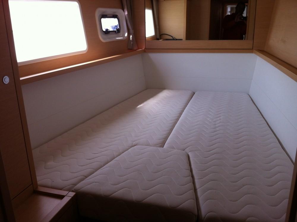 Bootverhuur Komolac goedkoop Lagoon 450