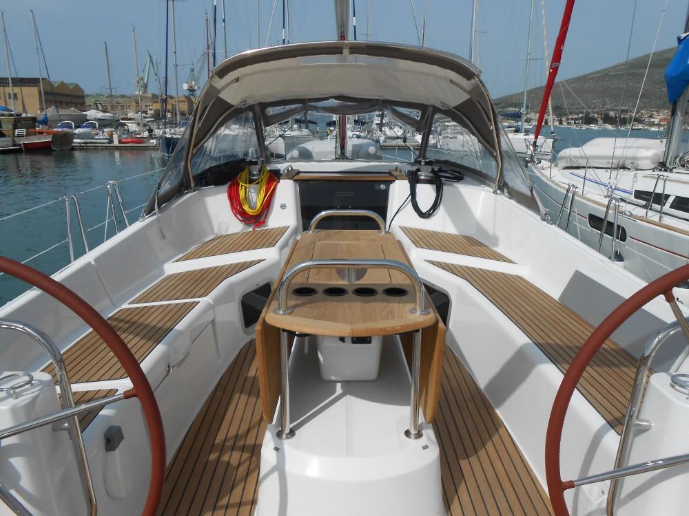 Huur een Jeanneau Sun Odyssey 50DS in Trogir