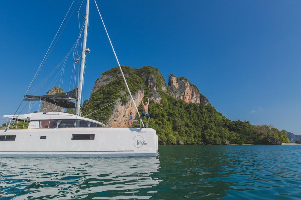 Jachthuur in Phuket - Lagoon Lagoon 52F via SamBoat
