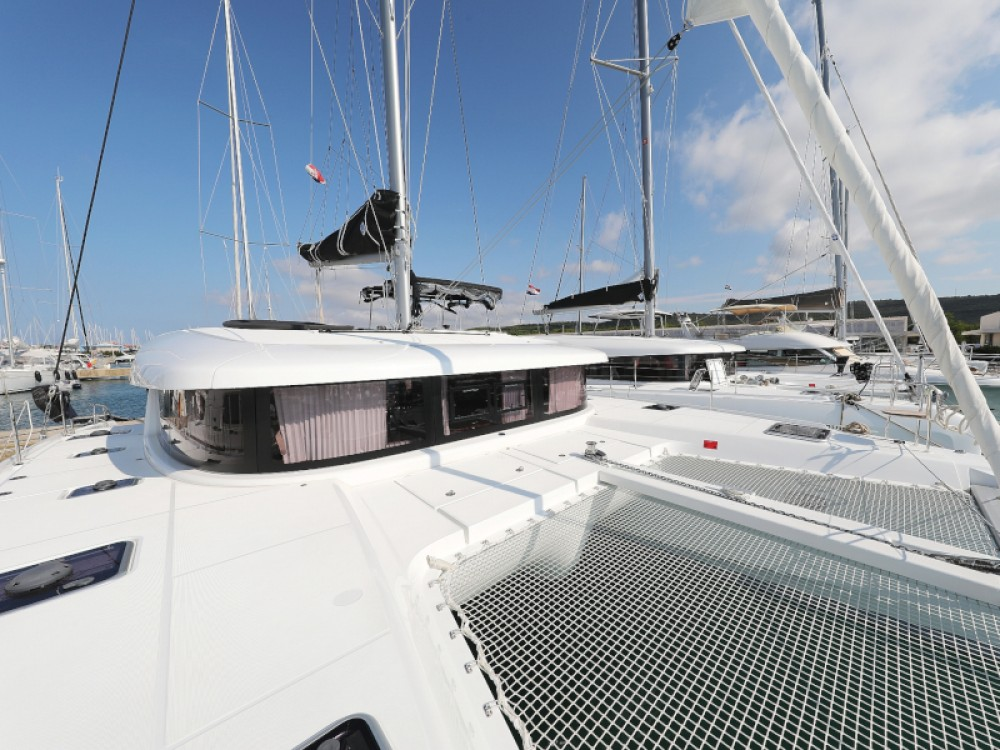 Huur Catamaran met of zonder schipper Lagoon in Sukošan
