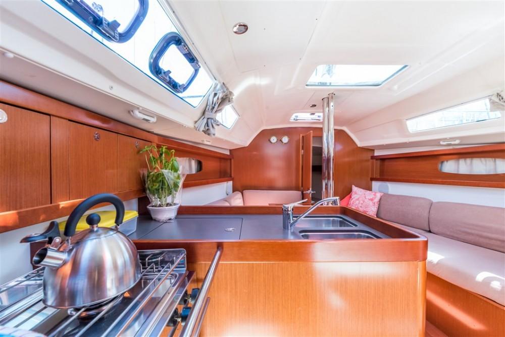 Verhuur Zeilboot in  - Bénéteau Oceanis 31