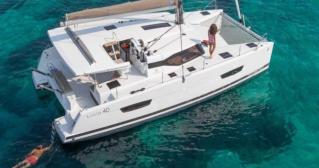 Catamaran te huur in Rhodes voor de beste prijs