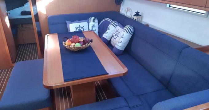 Huur een Bavaria Cruiser 41 in Lefkada (Island)