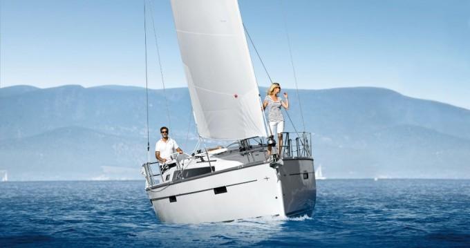 Bootverhuur Bavaria Cruiser 37 in Vodice via SamBoat
