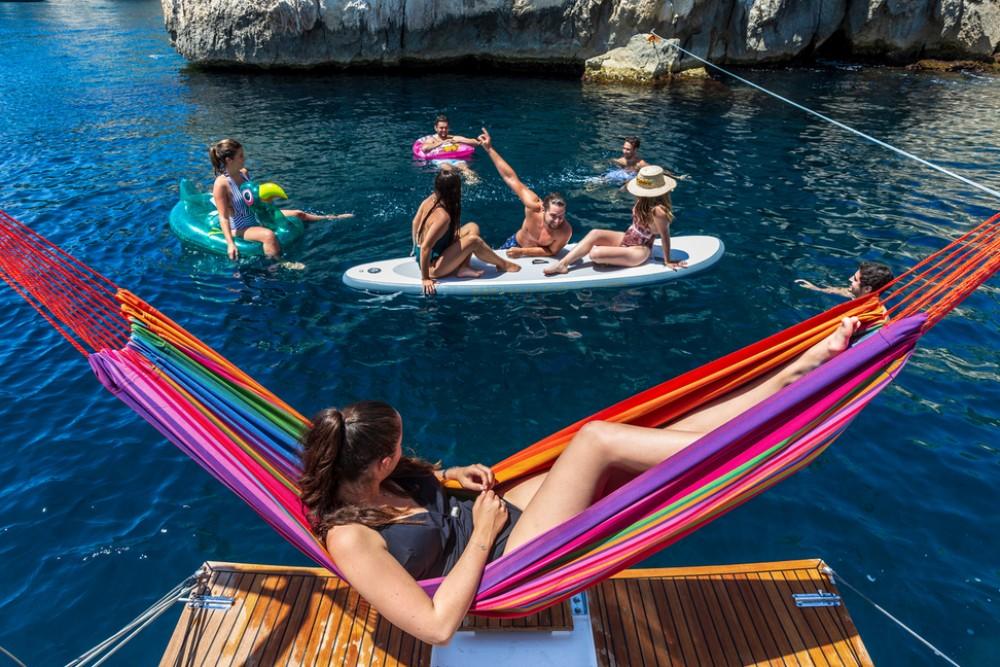 Verhuur Zeilboot in Tortola - Jeanneau Sun Loft 47 - 6+1 cab.