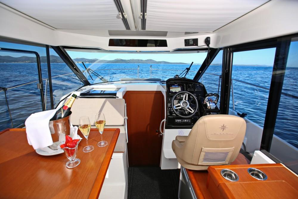 Bootverhuur Marina Zadar goedkoop Merry Fisher 895