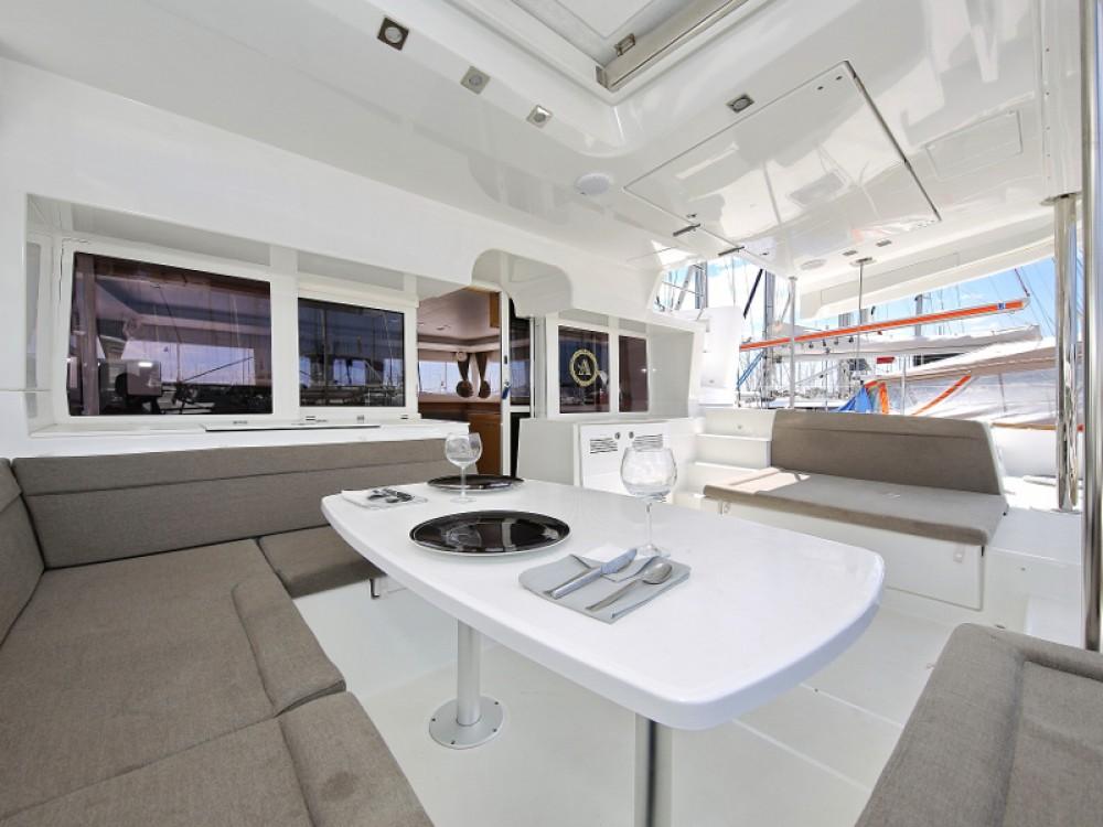 Verhuur Catamaran in  - Lagoon Lagoon 450 F