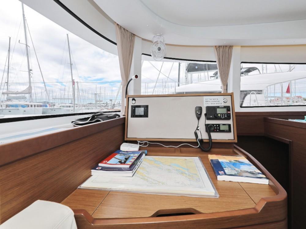 Verhuur Catamaran in Sukošan - Lagoon Lagoon 42