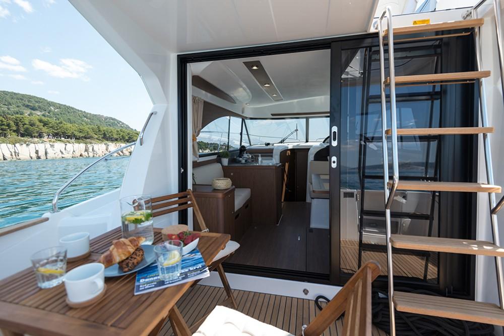 Verhuur Motorboot in ACI Marina Rovinj - Bénéteau Antares 36 Fly
