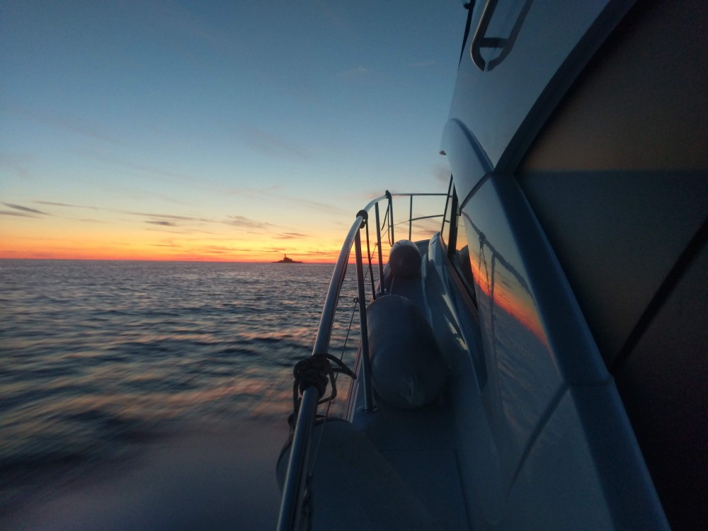 Huur Motorboot met of zonder schipper Bénéteau in ACI Marina Rovinj