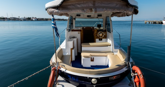 Huur Motorboot met of zonder schipper  in Keramotí