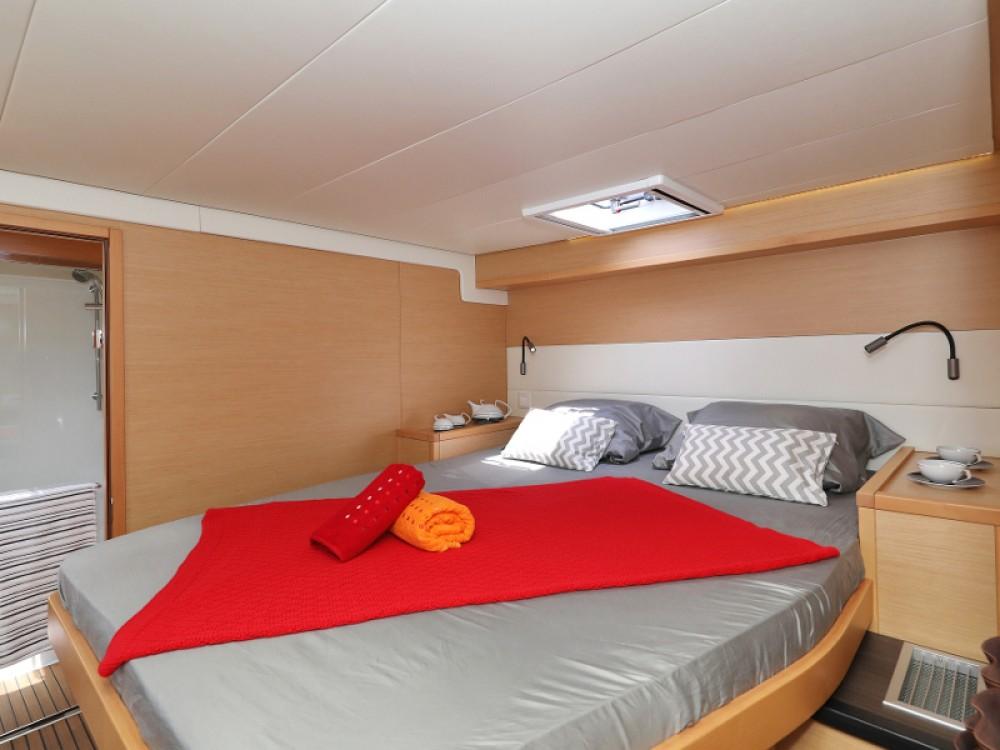 Catamaran te huur in Sukošan voor de beste prijs