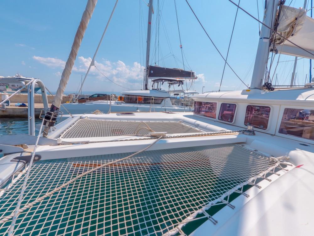 Bootverhuur Lagoon Lagoon 400 in Split via SamBoat