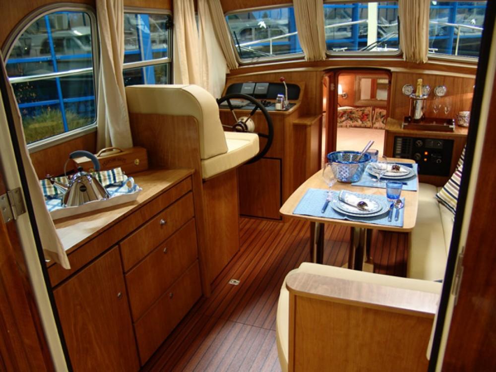 Huur Motorboot met of zonder schipper Linssen in