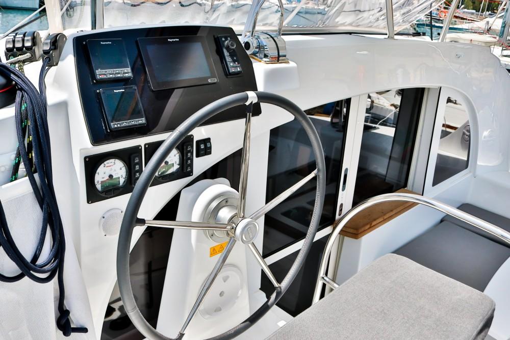 Verhuur Catamaran in Marina de Alimos - Lagoon Lagoon 380 ( INVENTER )