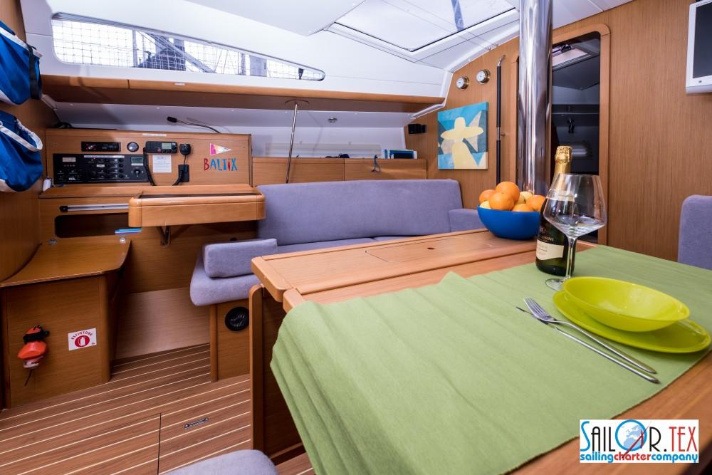Bootverhuur Jeanneau Sun Odyssey 42 DS in Castiglioncello via SamBoat