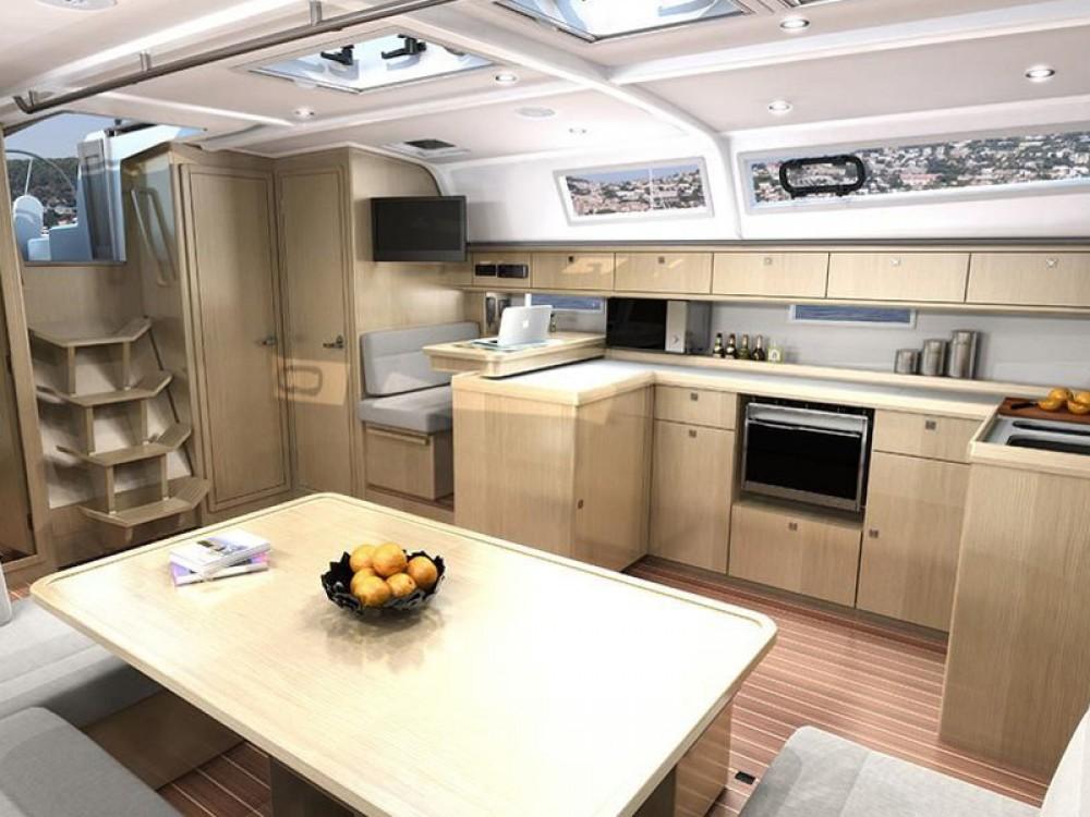 Bootverhuur Pomer goedkoop Bavaria 51 Cruiser