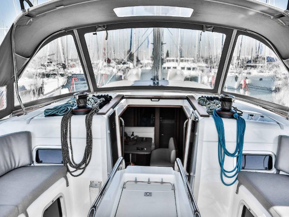 Jachthuur in Marina de Alimos - Jeanneau Sun Odyssey 509 (2015 )( FULL REFIT 2020 - A/C,GENERATOR,INVENTER ) via SamBoat