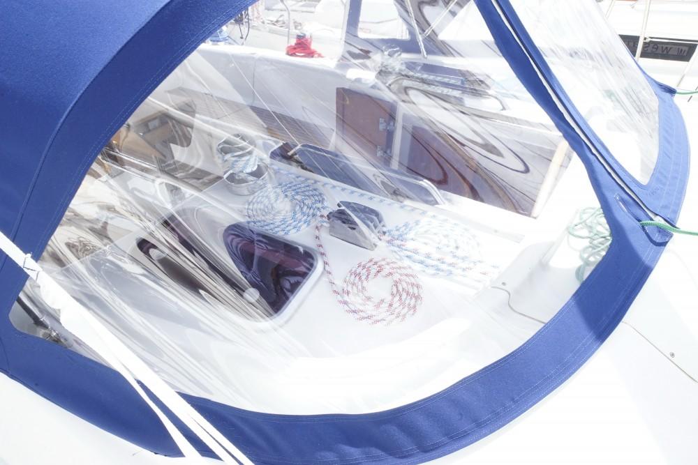 Jachthuur in Marina de Alimos - Bavaria Bavaria 43 Cruiser via SamBoat