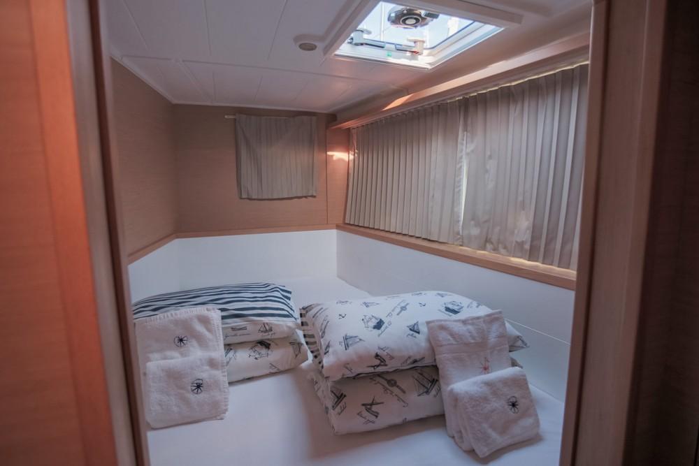 Verhuur Catamaran in  - Lagoon Lagoon 400 S2 - 4 + 2 cab.
