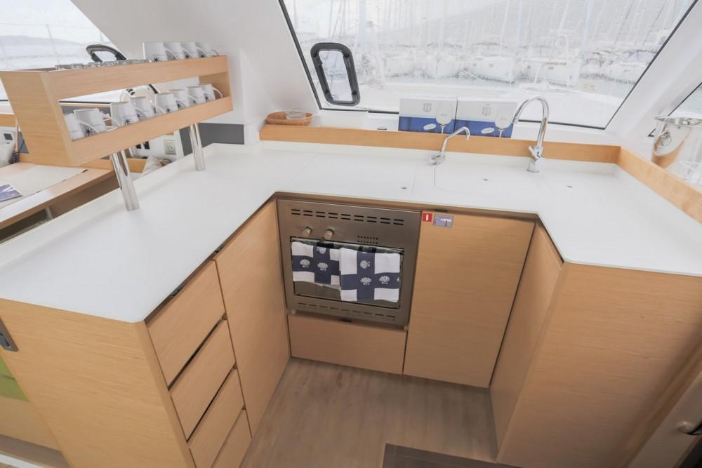 Nautitech Rochefort Nautitech 40 Open - 4 + 1 cab. te huur van particulier of professional in Seget Donji