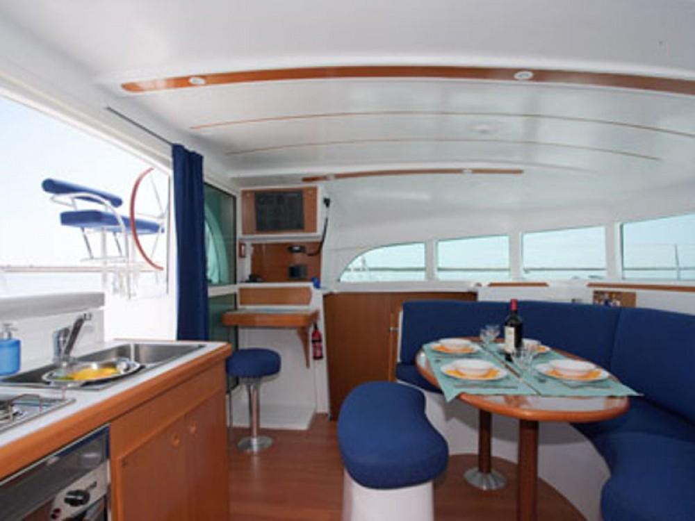 Bootverhuur Volos goedkoop Lagoon 380