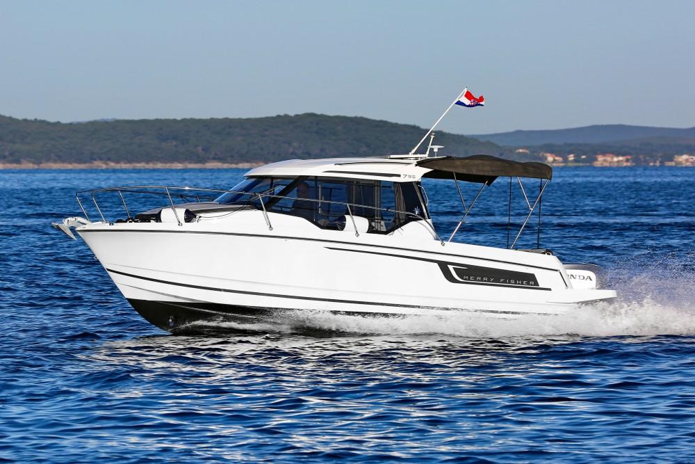 Huur een Jeanneau Merry Fisher 795 in Marina Zadar