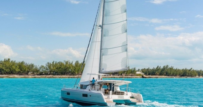 Verhuur Catamaran in Playa Sardinera - Lagoon Lagoon 42