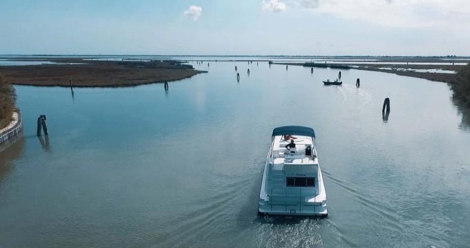 Verhuur Woonboot Houseboat Holidays Italia srl met vaarbewijs
