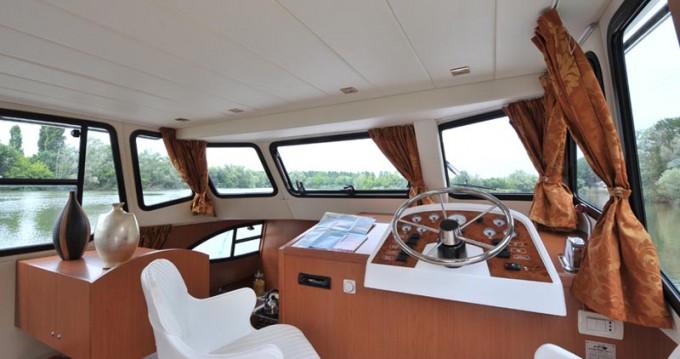 Huur Woonboot met of zonder schipper Houseboat Holidays Italia srl in Casale sul Sile