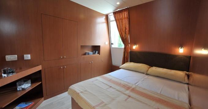Huur een Houseboat Holidays Italia srl Minuetto6+ in Precenicco