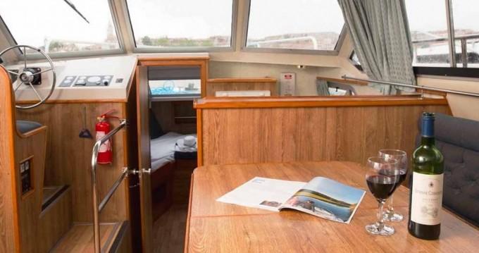 Verhuur Woonboot Crusader met vaarbewijs