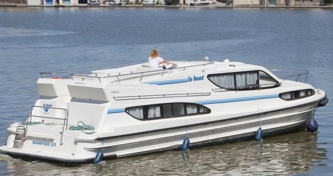 Verhuur Woonboot Connoisseur met vaarbewijs