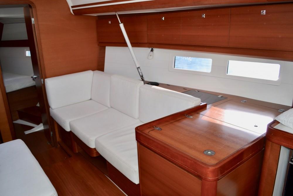 Verhuur Zeilboot in Capo d'Orlando Marina - Dufour Dufour 410 Grand Large
