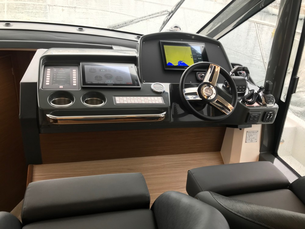 Bootverhuur Marina Naviera Balear goedkoop Bavaria R40 FLY