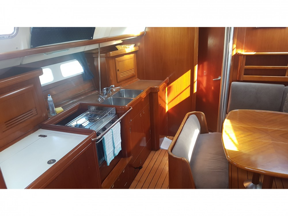 Jachthuur in  - Bénéteau Oceanis 423 via SamBoat