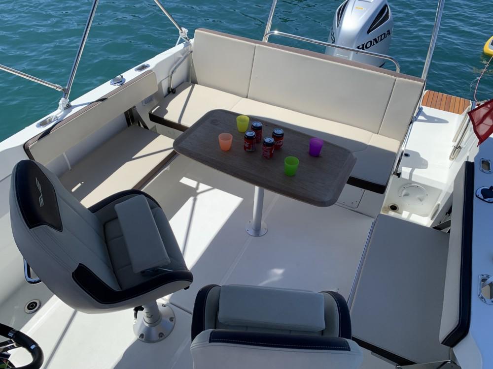 Huur Motorboot met of zonder schipper Bénéteau in Antibes