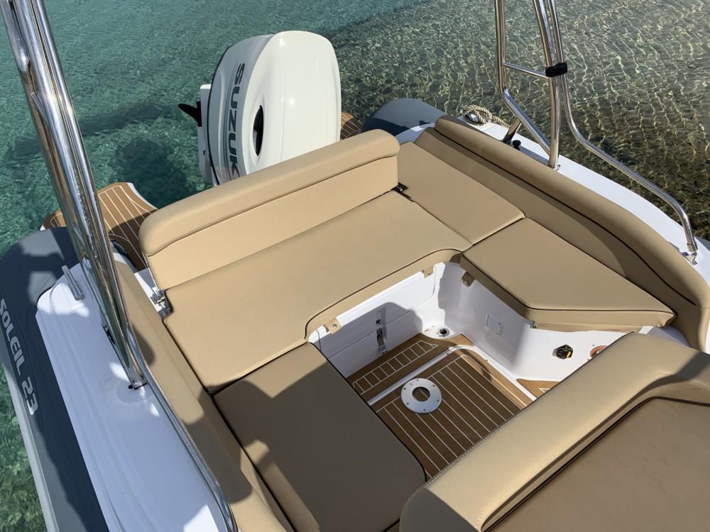Rubberboot te huur in Pietrosella voor de beste prijs