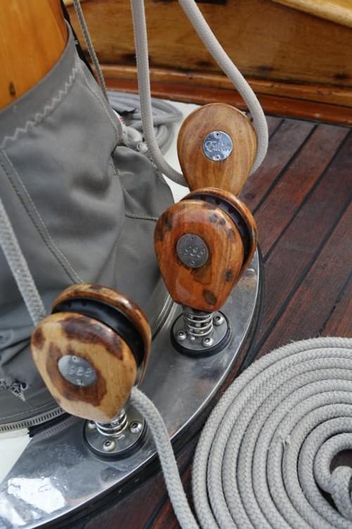 Huur een Sloop Marconi Classique 12MJI in La Ciotat