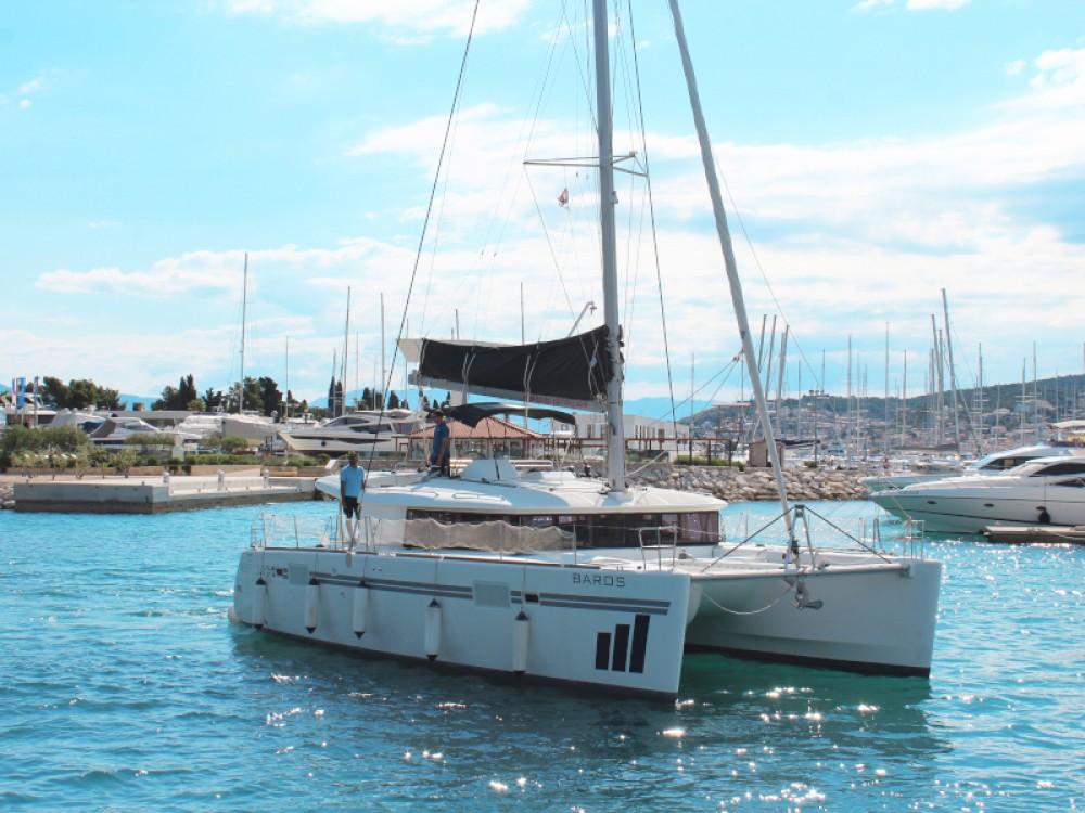 Jachthuur in Seget Donji - Lagoon Lagoon 450 Fly via SamBoat