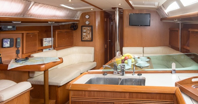 Jeanneau Sun Odyssey 43 te huur van particulier of professional in Paros