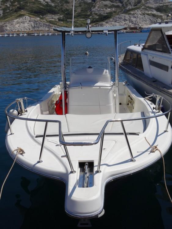 Huur een Kelt white Shark 225 in Marseille
