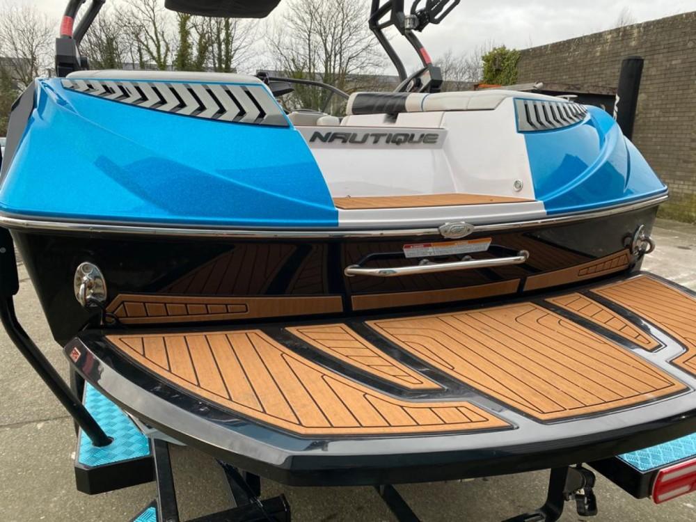 Bootverhuur Annecy goedkoop super air nautique G21